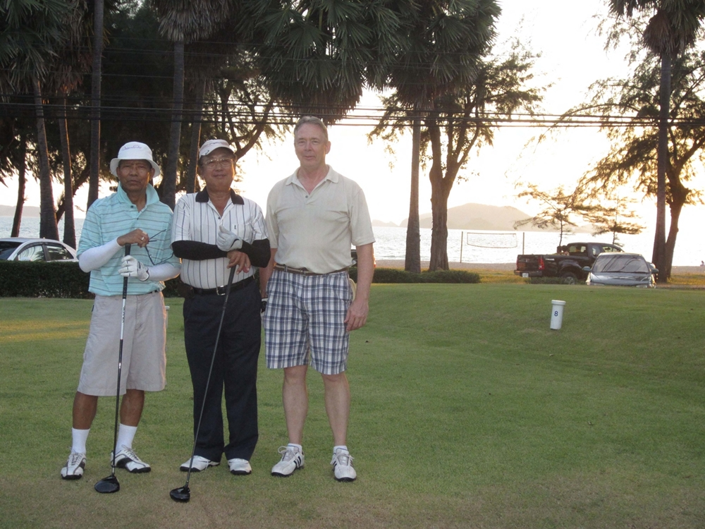 Sunsetting behind 8th Tee Thai Navy1000